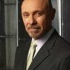 Hector Elizondo profilképe