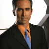 Nestor Carbonell profilképe