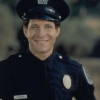 Steve Guttenberg profilképe