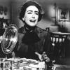 Joan Crawford profilképe