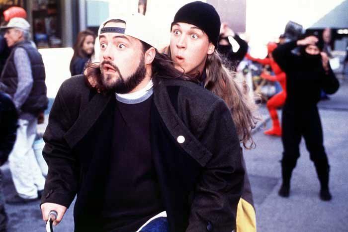 Kevin Smith megható monológgal jelentette be: elstartolt a Jay és Néma Bob 2 forgatása!