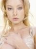 Elisabeth Harnois profilképe