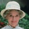 Jeanette Nolan profilképe