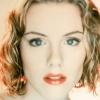 Kathleen Robertson profilképe