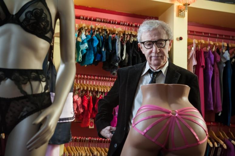 Már több színész is eladományozta a Woody Allen legújabb filmje után kapott fizetését