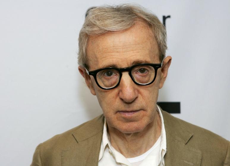 Megvédi fia a gyerekmolesztálással vádolt Woody Allent