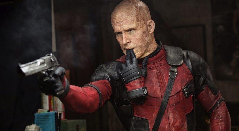 Michael Bay és Ryan Reynolds drága látványfilmet forgat a Netflixnek