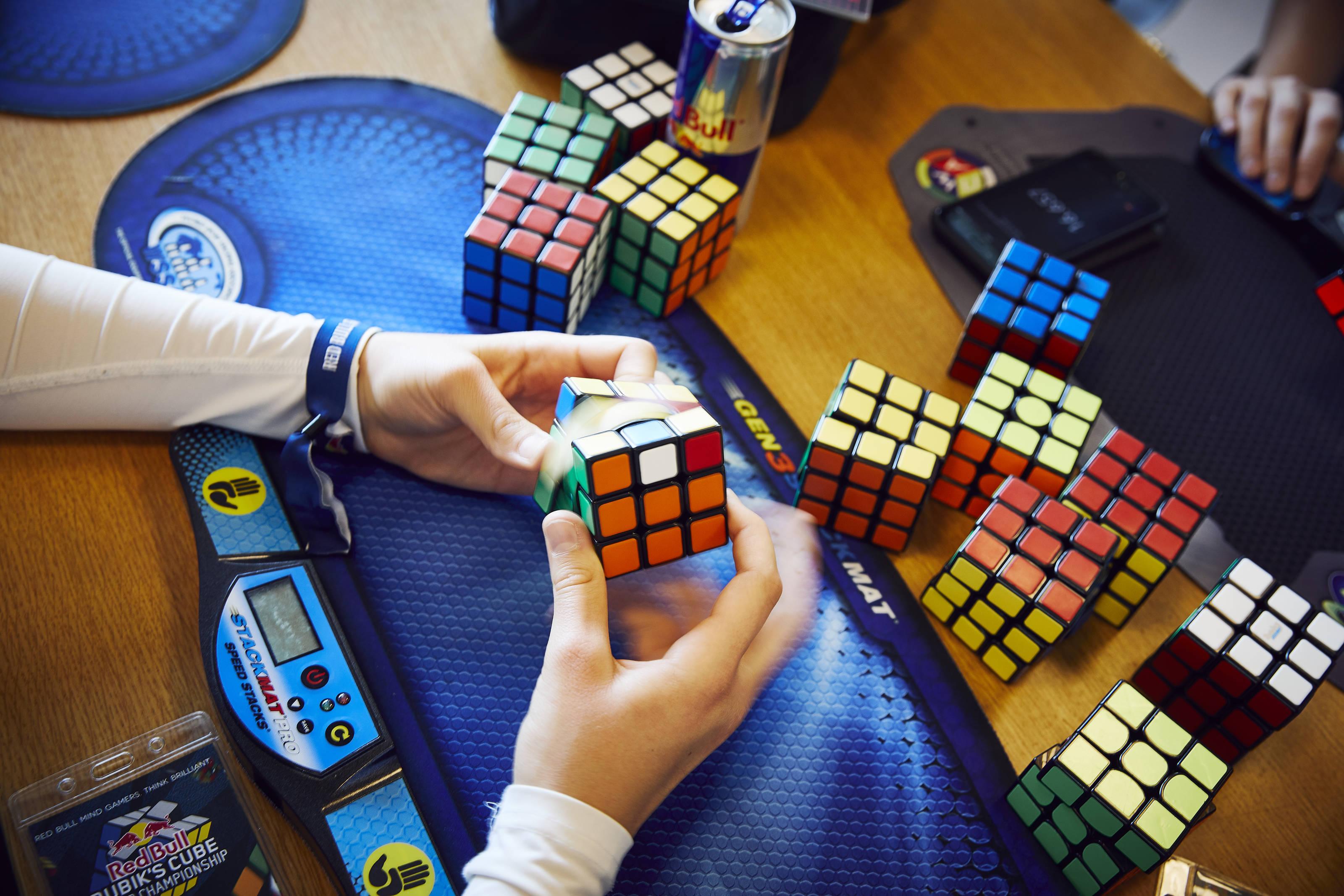 A Rubik-kocka tíz oldala