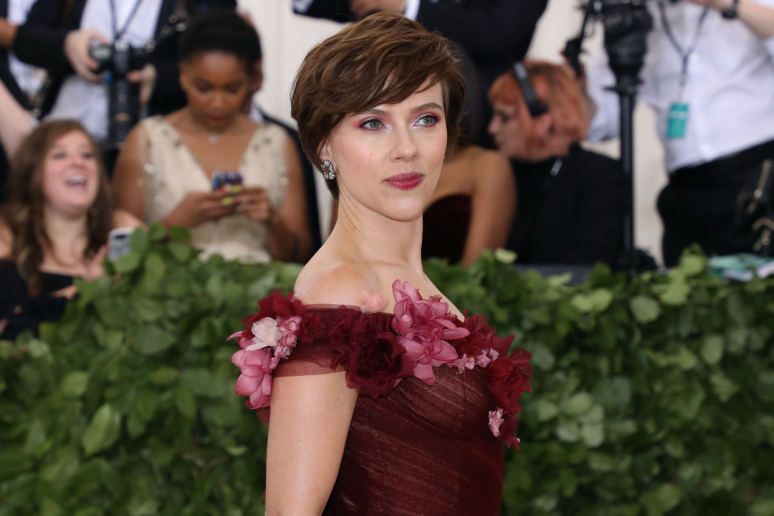 Scarlett Johanssont éltetik a transznemű színészek