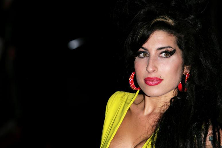 Tovább nyerészkednek Amy Winehouse-on