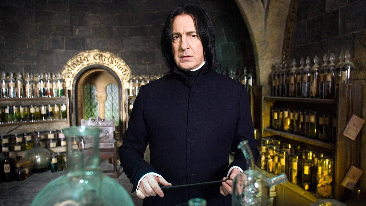 Alan Rickmanre emlékezett a Harry Potter-filmek stábja