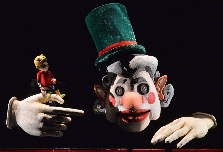 Látványos kudarc lett Neil Gaiman horrormeséjének bábszínházi adaptációja