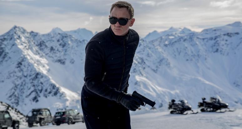 Kiderült, mennyit csúszik az új James Bond film