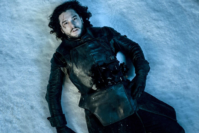 Kit Haringtonnak terápiára kellett járnia Havas Jon halála miatt