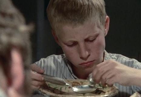 Kendnek is ilyen sűrű a levese? - Emlékezetes kajajelenetek
