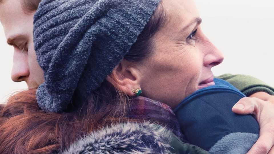 Egy fiú hazatér – Julia Roberts hibátlanul aggódik