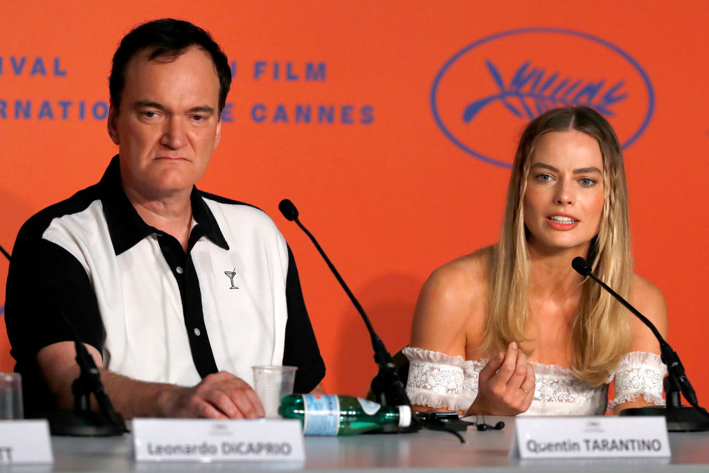 Tarantino iszonyú nagy pokróc volt az újságírókkal a sajtótájékoztatón