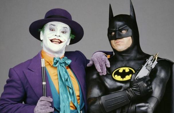 30 éves Tim Burton Batmanje, 80 éves a Denevérember!
