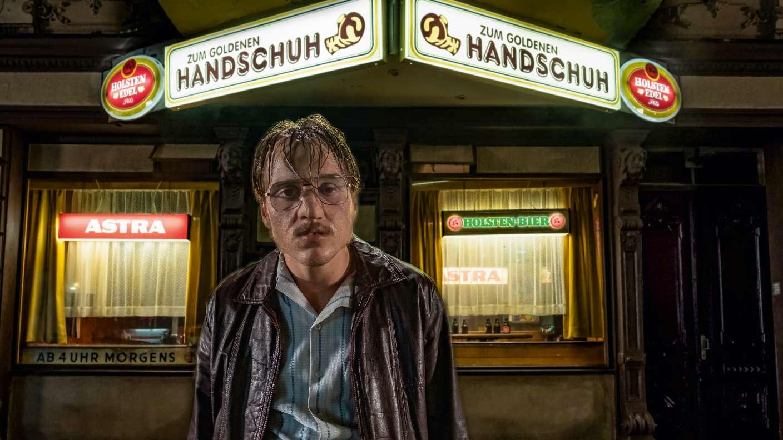 """Képtalálat a következőre: """"Der Goldene Handschuh"""""""