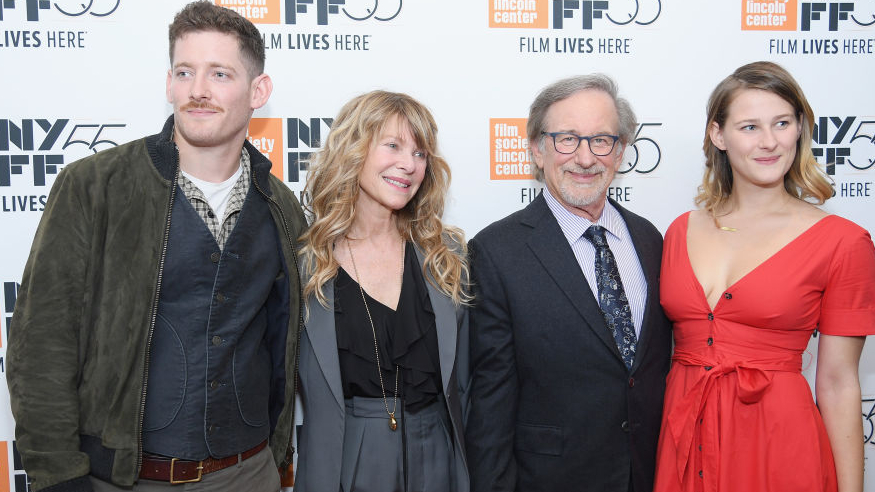Spielberg fia brutális horrorfilmben játszik – Itt a Trailer!