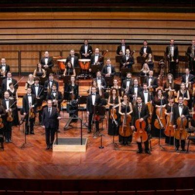 Szent István Filharmonikusok, vez.: Kovács János, km.: Sümegi Eszter (szoprán)